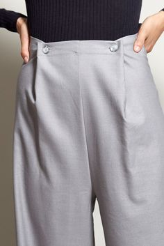 Baserange Button Pants in Light Grey Trousers Women Outfit, Grey Pants Outfit, Cos Fashion, Fashion Outfits, Lawyer Outfit, Diy Clothes, Clothes For Women, Diy Kleidung, Wrap Pants