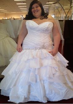 Plus size brides showing off their curves! - Weddingbee