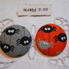"2 boutons tissu 32mm "" araignées funambules """