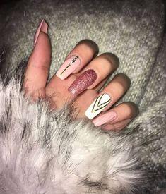 Nails, Glitter Nails, Nägel, Pink Nails, Acrylic Nails - Nails Tip Acrylic Nails Natural, Fall Acrylic Nails, Acrylic Nail Art, Acrylic Nail Designs Glitter, Christmas Acrylic Nails, Coffin Acrylic Nails Long, Pink Nail Designs, Milky Nails, Super Nails