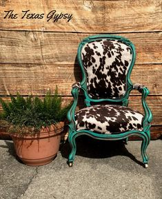 Rocking Chair Upholstery - King Chair Art - Chair For Bedroom Decorative - Comfy Chair Reading Plywood Furniture, Cowhide Furniture, Cowhide Chair, Western Furniture, Furniture Ads, Urban Furniture, Funky Furniture, Furniture Outlet, Furniture Stores