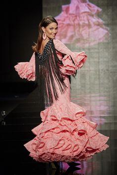 Traje perforado rosa. http://www.lina1960.com/