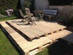 Holzterrasse aus Paletten selber bauen: So geht es!