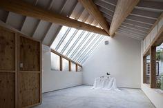 Copious Natural Lighting Makes Translucent Timber Studio a Photographer�s Dream