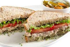 Sandwiches integrales de atún Philadelphia