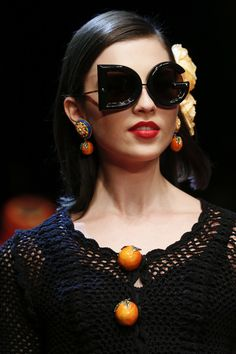 Dolce & Gabbana Spring 2018 Ready-to-Wear  Fashion Show Details