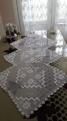 Crochet Tablecloth Pattern, Free Crochet Doily Patterns, Baby Knitting Patterns, Crochet Motif, Crochet Doilies, Crochet Lace, Crochet Coat, Filet Crochet, Crochet Table Runner