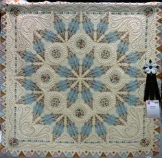 The most beautiful quilt . At the Paducah quilt show .