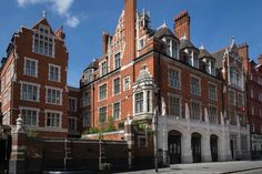 Andre Balazs' first London hotel, Chiltern Firehouse #goopgo