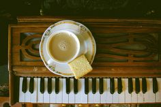lets just put coffee/tea and food next to beautiful instruments cause it looks freakin artsy and awesome