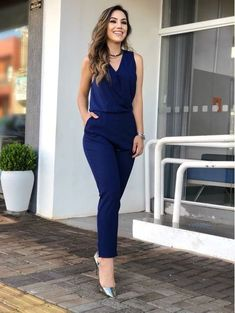 Macacao-Longo-Samira Classy Work Outfits, Office Outfits, Chic Outfits, Indian Designer Outfits, Outfit Trends, Work Attire, Jumpsuits For Women, Casual Chic, Casual Looks
