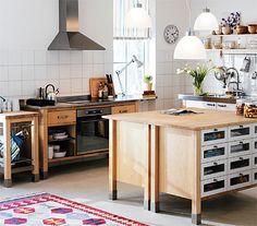 An ikea varde free standing kitchen in a farmhouse outside - Ikea cucine free standing ...