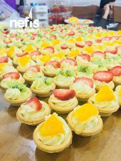 Orjinal Tartolet - Nefis Yemek Tarifleri in 2020 Fun Easy Recipes, Easy Meals, Yummy Recipes, Cheese Tarts, Chocolate Buttercream Frosting, Recipe Mix, Roasted Turkey, Turkish Recipes, Cupcakes