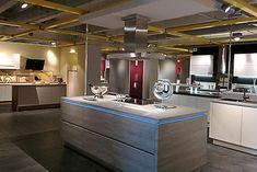 Blick in eine moderne Küche.