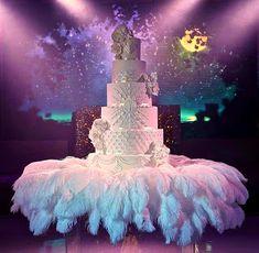 Extravagant Wedding Cakes, Luxury Wedding Cake, Themed Wedding Cakes, Amazing Wedding Cakes, Elegant Wedding Cakes, Wedding Cake Designs, Dream Wedding, Cake Wedding, Amazing Cakes