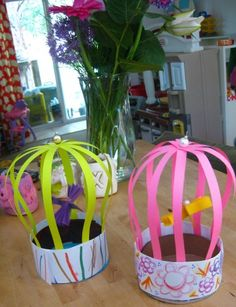 cages à oiseau + une tonne d'autres bonnes idées :) Diy And Crafts, Crafts For Kids, Arts And Crafts, Paper Crafts, Lion Drawing, Drawing Tips, Projects For Kids, Art Projects, Crazy Hats
