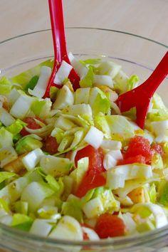 and fruity salad . - My little gourmet bubble - PERSO - Cuisine -Gourmet and fruity salad . - My little gourmet bubble - PERSO - Cuisine - Winter Fruit Salad with Lemon Poppy Seed Dressing Raw Food Recipes, Healthy Dinner Recipes, Salad Recipes, Snack Recipes, Caesar Salat, Caprese Salat, Asian Snacks, Safe Food, Entrees