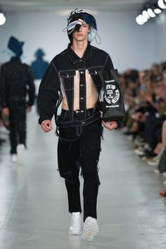 Christopher Shannon Spring 2017 Menswear Fashion Show Korea Fashion, Boy Fashion, Fashion Show, Fashion Dresses, Mens Fashion, Christopher Shannon, Vogue Paris, Urban Cowboy, Denim Ideas