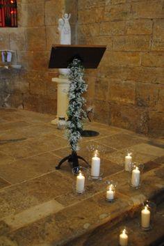 EGLISE TOURTOUR, mariage, wedding, décoration, décoration église, décoration mariage, idée décoration, bougies, allée de bougies, mariage à l'église