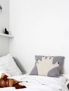 Find your inspiration with Scandinavian Interiors and a carefully curated selection of Lifestyle Design, discover more now! Textile Prints, Textiles, Kidsroom, Little People, Print Patterns, Blog, Cushions, Throw Pillows, Vintage