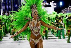 Samba Dancer in Green!  http://aquirepics.blogspot.ca