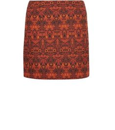 """Add a statement piece for your autumn wardrobe with this floral jacquard skirt - try with a black roll neck top and block heel ankle boots.- Floral jacquard texture- Zip back fastening- Casual fit- Mini length- Model is 5'8""""/176cm and wears UK 10/EU 38/US 6"""