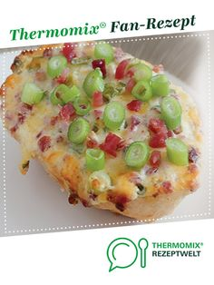 Tarte flambé / bun by A Thermomix ® recipe from the main course with vegetables category at www.de, the Thermomix ® Community. Tarte flambé / bun Anna thermomix Tarte flambé / bun by A Thermomix ® reci Pizza Recipes, Grilling Recipes, Meat Recipes, Seafood Recipes, Meat Appetizers, Appetizer Recipes, Snack Recipes, Dessert Recipes, Vegetable Drinks