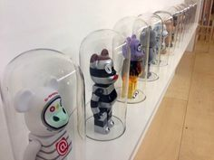 Vinyl toys in cloches Toy Display, Display Case, Display Ideas, Vinyl Toys, Vinyl Art, Hypebeast Room, Toy Story Shirt, Graffiti, Modern Toys
