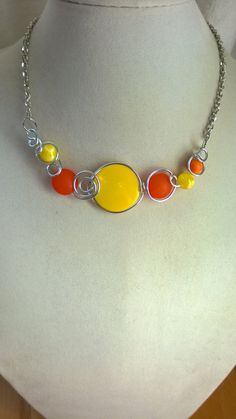SALE Yellow and orange necklace Orange and yellow jewelry Yellow Jewelry, Funky Jewelry, Stylish Jewelry, Metal Jewelry, Beaded Jewelry, Wire Necklace, Wire Wrapped Necklace, Metal Necklaces, Jaune Orange