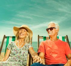 Agência: MP Publicidade; Cliente: Unimed; Fotografia: Pix Fotografia; Ano: 2013  #externa #praia #verão #casal #idoso #amor #felicidade #descanso #férias #beach #elderly #summer #holiday #repose