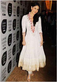 Kareena Kapoor Long hairstyle