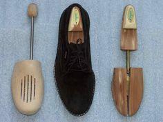 Limpiar zapatos de ante es una dificultosa tarea en la que hay que tener mucha precaución para conseguir buenos resultados.