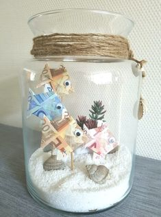 gift ideas Giving away money, giving money, folding money - Geschenke - Diy And Crafts, Crafts For Kids, Paper Crafts, Don D'argent, Diy Xmas Gifts, Folding Money, Baptism Decorations, Types Of Craft, Sea Theme
