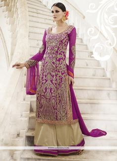 Looking for Straight Pant/Trouser Suit for women? Shop Trouser Suits Online – Get Women Trouser Salwar Kameez & Straight Suit with wide range of styles and color selection at huge discount in Malaysia. Indian Dresses Online, Ethnic Wear Designer, Indian Ethnic Wear, Indian Style, Party Wear Dresses, Trouser Suits, Wedding Suits, Wedding Lehnga, Wedding Hijab