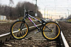 Looking for a junior sized dirt jumper for my 10 year old. - Pinkbike Forum