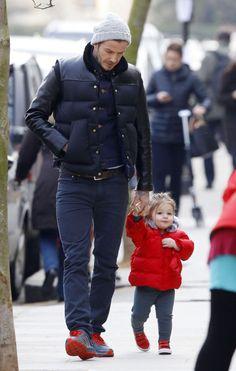 David Beckham & Harper: Hand-In-Hand.  Awwww....