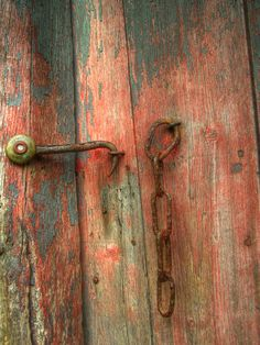 redmalefox:Latch and Chain by JazzSP8 on Flickr. Latch and Chain