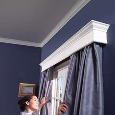These DIY window cornices add polish to any room. You can get them for less money than you think! Learn how to build them yourself for the price of store-bought cornices. @ Home Remodeling Ideas Wood Cornice, Wood Valance, Cornice Box, Cornice Boards, Eames Design, Window Cornices, Valances, Window Coverings, Ideias Diy