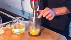 Wir verraten Ihnen, wie Sie Mayonaise ganz leicht selbst zubereiten können. http://www.meine-familie-und-ich.de/kuechentipp-archiv