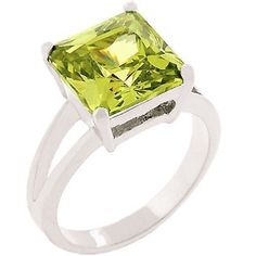 Silver Plated Simulated Peridot Cocktail Ring Cubic Zirconia PrincessCut Size 10…