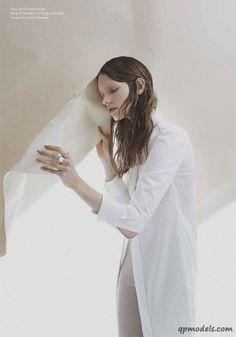 Sophia Nilsson for Blanc Magazine 2014 - http://qpmodels.com/european-models/sophia-nilsson/7551-sophia-nilsson-for-blanc-magazine-2014.html