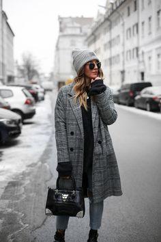 Sandra Ebert von black palms Philipp Plein Tasche Mango Coat Streetstyle Layering Oversize