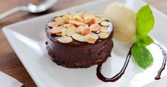 Brownie com Ganache de Chocolate Belga e Amêndoas