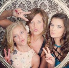 the Hyland girls at Melissa's wedding <3