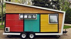 Se és uma pessoa com espírito aventureiro vais adorar esta casa. Esta pequena casa com rodas é fantástica, ela tem tudo que é preciso para uma pessoa pessoa passar uma belas férias sempre a viajar. Vê as imagem a baixo.