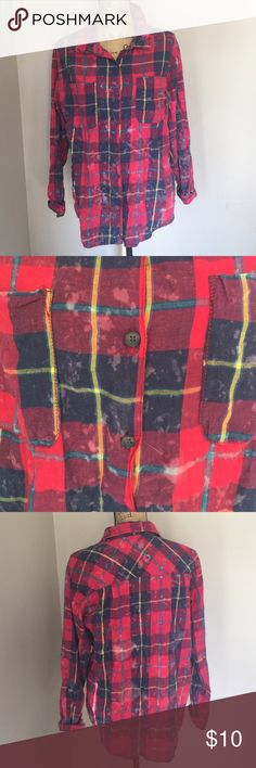 NWT Vanilla Star Plaid Button Up XL NWT Vanilla Star from (TJ Max) Plaid button up shirt with bleach design. Size XL Vanilla Star Tops Button Down Shirts
