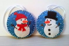 Felt christmas ornament - Snowman snowing snowglobe ornament/ wool blend felt  This listing is for 1 ornament  Size about 8 cm Material wool blend felt  Handmade from felt with high precision and great care.  Please note that ornaments are decorated on one side only. Other side is solid blue.  For more Christmas ornaments visit my Christmas section https://www.etsy.com/shop/DusiCrafts?section_id=15537694…
