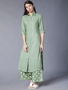 Silk Kurti Designs, Simple Kurta Designs, Kurta Designs Women, Stylish Dress Designs, Kurti Designs Party Wear, Stylish Dresses, Blouse Designs, Pakistani Dresses Casual, Indian Fashion Dresses