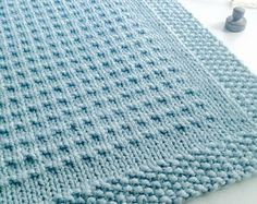 Third Street Blanket knitting pattern by Fifty Four Ten Studio. Pattern includes directions for five sizes including XL Throw, Large Blanket, Medium Throw, Small Crib Blanket and Baby Blanket. Knit with super bulky yarn. Baby Knitting Patterns, Knitting Terms, Knitting For Charity, Free Knitting, Knitting Projects, Blanket Patterns, Blanket Sizes, Crochet Pattern, Free Pattern