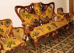 Otras realizaciones / Artes Decorativas / Vitrina por Aleix Clapés (1850-1920) y Gaudi -  Casa Ibarz
